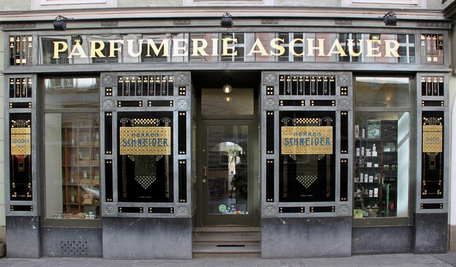 Fassade Parfümerie Aschauer
